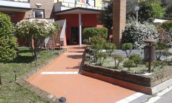 Hotel Residence Selice Romagna: Ingresso principale