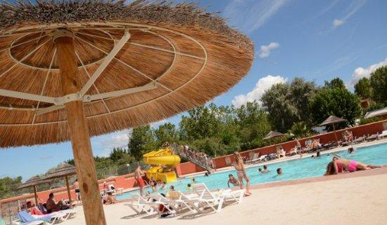 Eden Camping: restaurant et piscine
