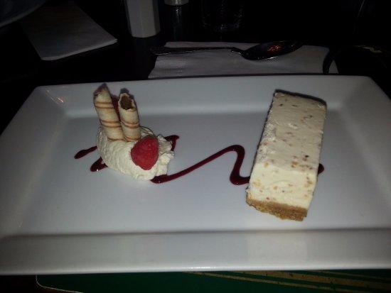 Ferrybridge Hotel: Cheesecake