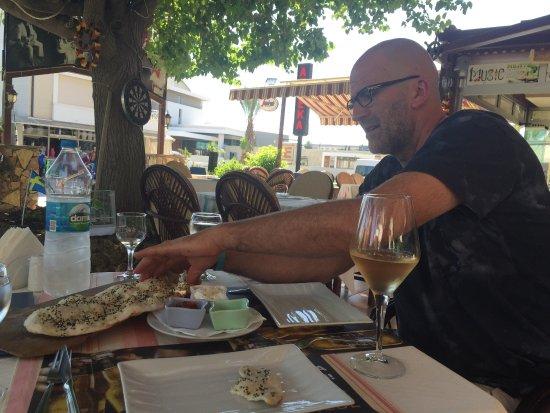 Kayı's Bar & Restaurant: photo1.jpg