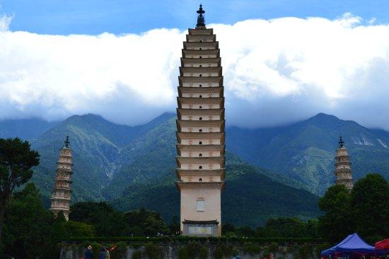 Chongsheng Three Pagodas: Inbetween Earth and Sky