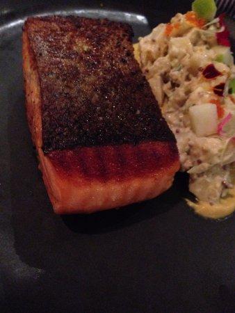 Narrabeen, أستراليا: Lightly smoked Salmon – Crisp skin, potato salad, sweet mustard sauce, flying fish roe, apple & 