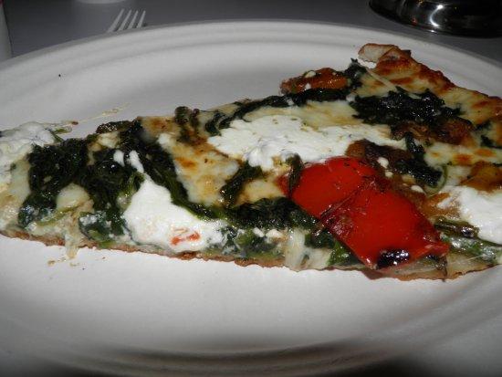 Bambini's Garden Pizzeria: A single slice is a meal.
