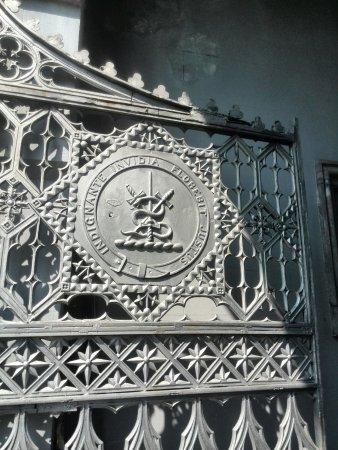Ardfert, أيرلندا: Gate Crest