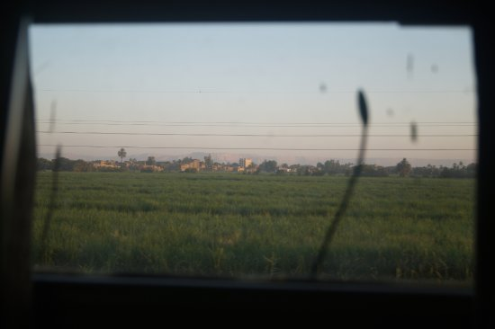 Habibitours - Day Tours: View out of our sleeper train shortly after sunrise.