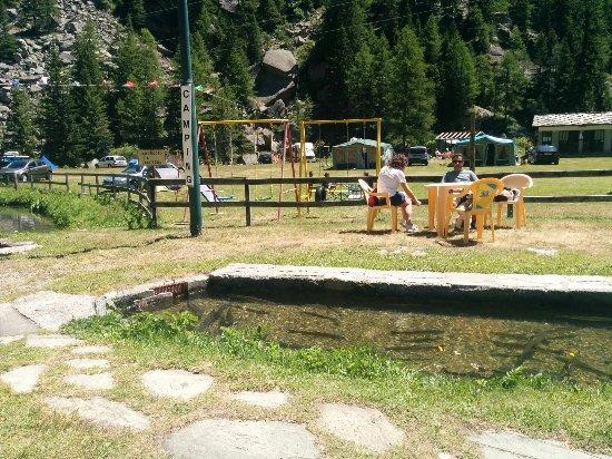 Camping La Peschera -チェレゾ...