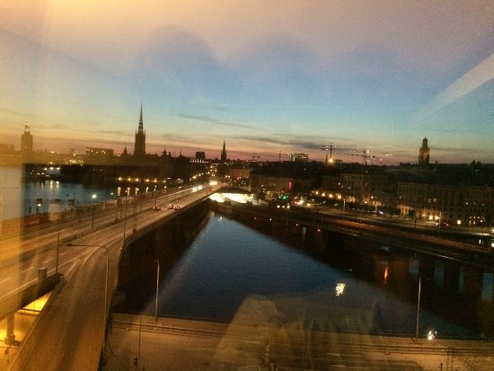 Hilton Stockholm Slussen: Great view on the old city of Stockholm