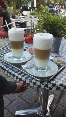 Beekbergen, Ολλανδία: Verse wafels en heerlijke koffie