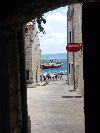 Brac Island, Kroatia: vue de la porte