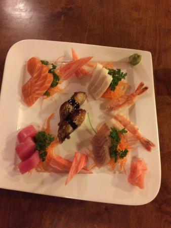 Fujiyama Japanese Restaurant - Sushi & Hibachi: photo0.jpg