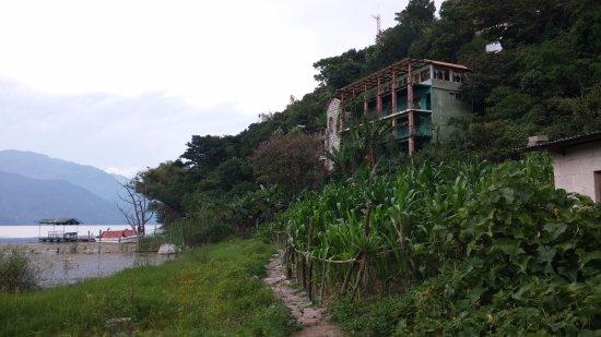 Foto de Eco Hotel Uxlabil Atitlán