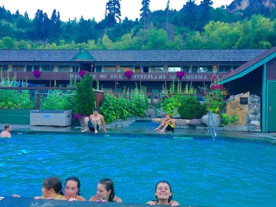Twin Peaks Lodge & Hot Springs: photo1.jpg