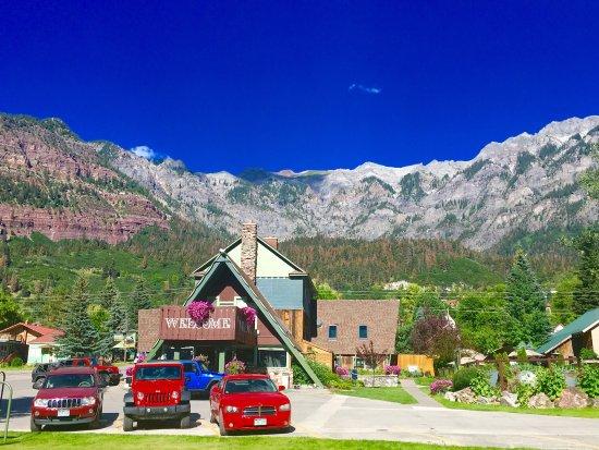 Twin Peaks Lodge & Hot Springs: photo2.jpg