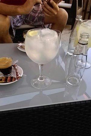 Villanueva del Trabuco, Hiszpania: Para una copa, un buen almuerzo. I draperies de solteros. Para todo molino jabonero