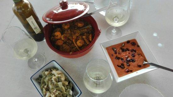 Villanueva del Trabuco, Hiszpania: Fantastica comida, una ubicacion inaugualable, estupendo para pasar un dia maravilloso.