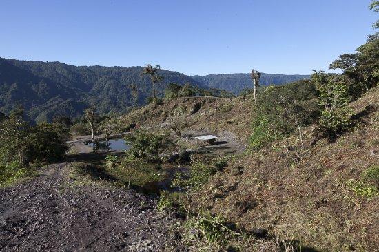 Pichincha Province, الإكوادور: caminos para 4x4 innecesarios y lagunas de agua empozada