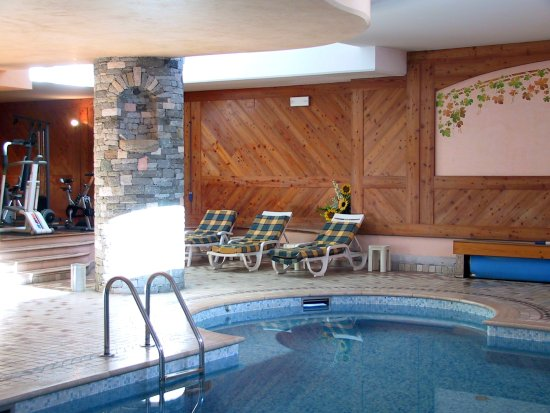 Hotel chalet valdotain updated 2017 reviews price for Hotel meuble mon reve cervinia