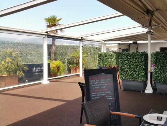 La Terrasse couverte - Picture of La Terrasse du Plaza, Nice ...