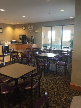 Super 8 by Wyndham Columbia East: Super 8 Columbia East