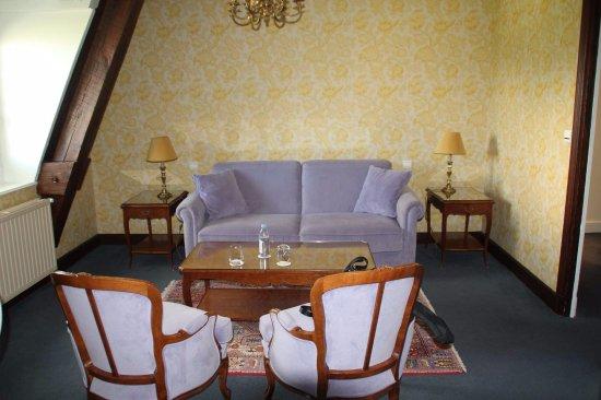 Gilly-les-Citeaux, Frankrike: Salon