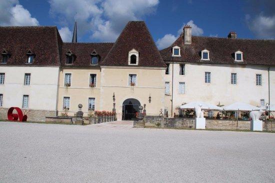 Gilly-les-Citeaux, Frankrike: Entrée