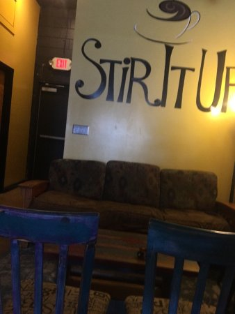 Stir It Up News Cafe: Great coffee shop!