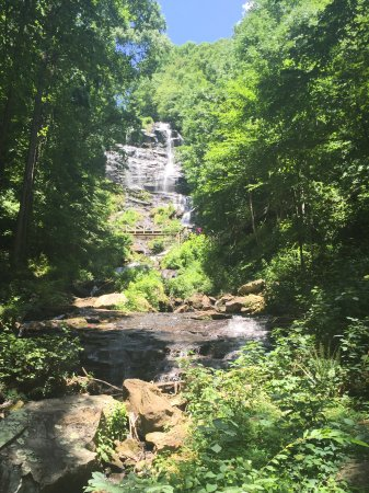 Amicalola Falls State Park: View up from top of loop.