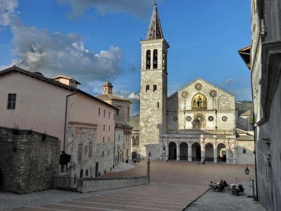 Σπολέτο, Ιταλία: La piazza dove avviene il Festival dei due Mondi