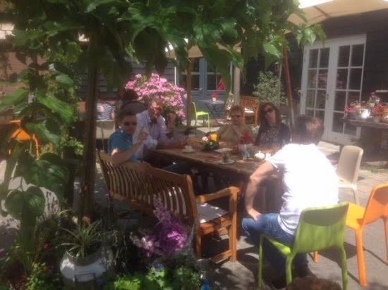 Nieuwveen, Nederländerna: tuin met terras