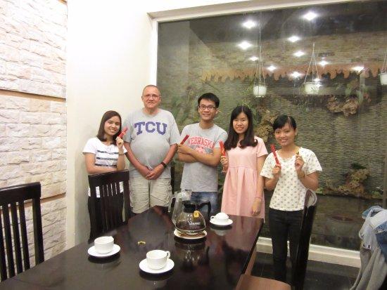 Than Thien Hotel - Friendly Hotel: Tea and Talk #97