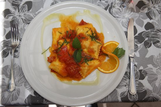 Brunate. Trattoria dei Bracconieri. Bauletto astice ( raviolis à l'homard).