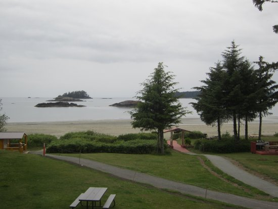 BEST WESTERN Tin Wis Resort: Across the Beach