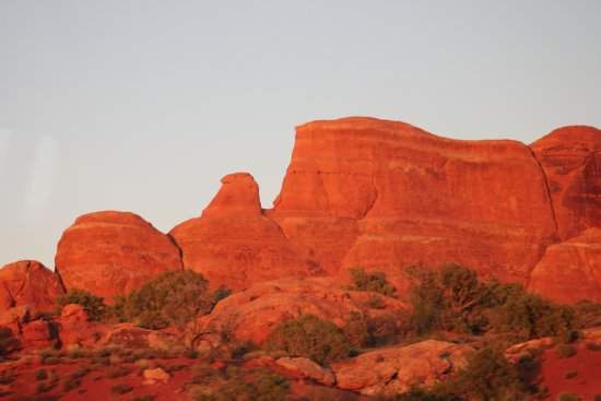 Moab Adventure Center - Day Tours: Sunset Arches NP