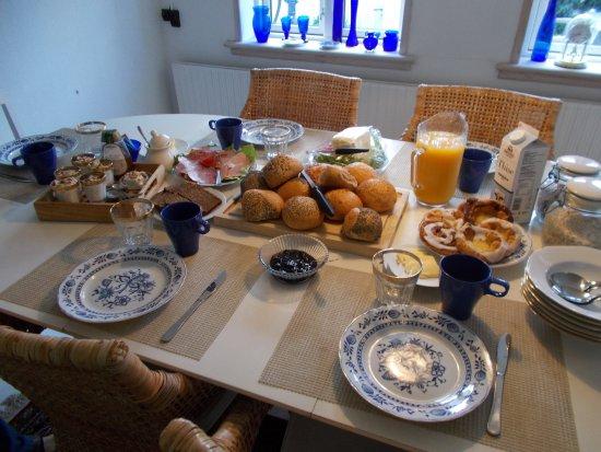 Marstal, Danimarca: Anne Maries lækker og skønne morgenmad.