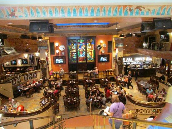 Hard Rock Cafe Myrtle Beach Inside View When Entering Restaurant
