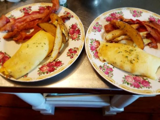 Northfield, MA: Choice of Asparagus or Scrambled Egg Crepes