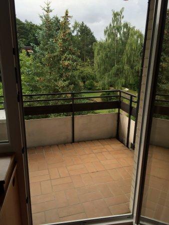 Bad Bevensen, Tyskland: Großzügiger Balkon mit Grün...