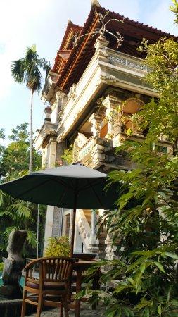 Sania's House Bungalows: L'ambiance temple de Sania's House