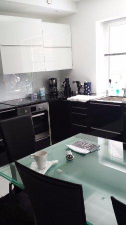 Villa Baneheia: Sala + cozinha