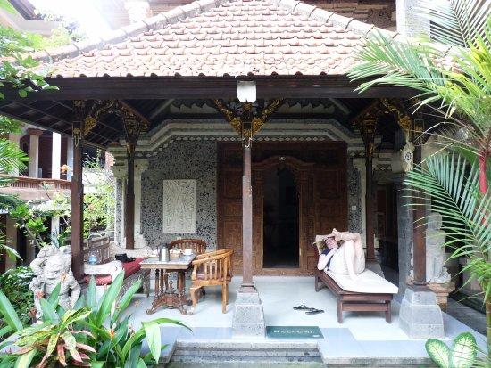 Sania's House Bungalows: Notre bungallow et sa petite terrasse