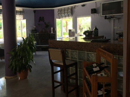 Agios Georgios, Siprus: Indoor bar