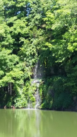 Maquoketa, IA: Waterfall at restaurant