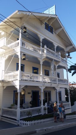 Hotel Catalina: Front of hotel