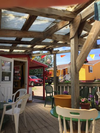 Frog Pond Cafe: Cute patio and delicious treats.  Decent coffee. Cranberry scone not dry. Armenian baklava was m