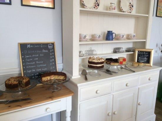 Sturminster Newton, UK: Fresh home baked cakes.