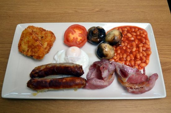 Dunstable, UK: My choice of full English items for breakfast!