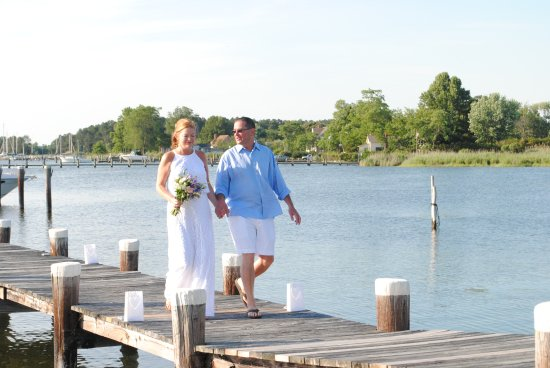 Rock Hall, MD: Penny & Jed Wedding Manor House Dock