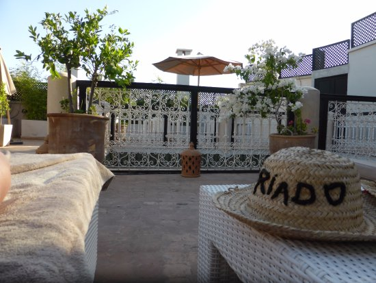 Riad O: Relaxing on the roof terrace