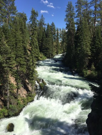 Sunriver, OR : I recommend not wearing heels to Benham Falls, it's a beautiful walk in the right shoes. Make su