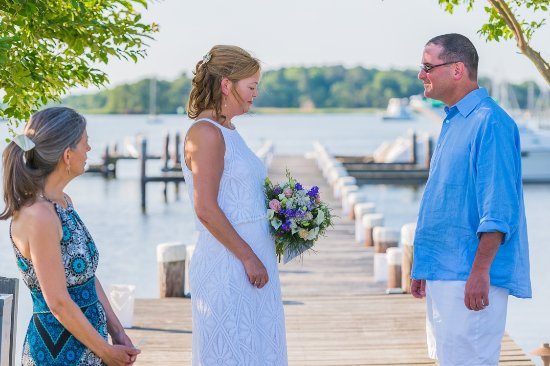 Rock Hall, MD: Penny & Jed Wedding Ceremony on Manor House Dock